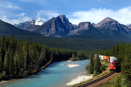 Alberta Canada: Bow River and Canadian Pacific Railway
